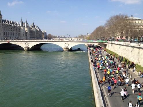 ParisRunnersSeine