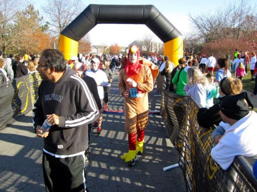 2012TurkeyTrotFinishLine