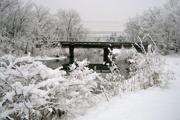 SnowyRunARBridge