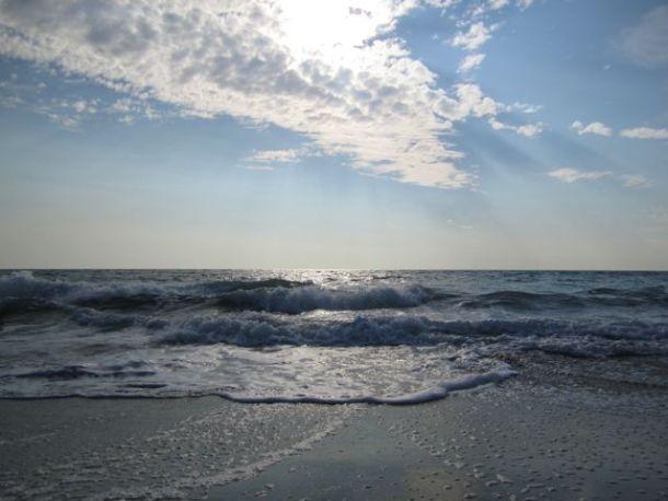 OceanMorningSunRays