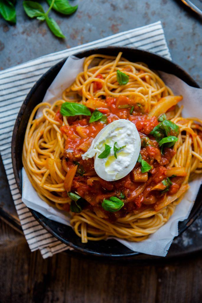 spaghetti-rode-saus-venkel