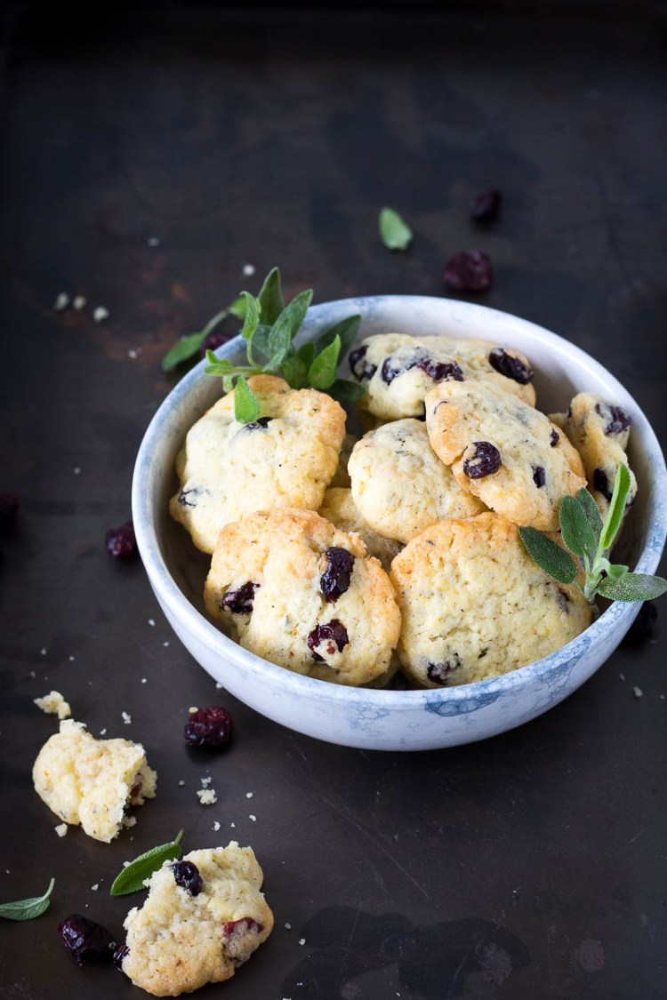 cranberry koekjes met sinaasappel en salie