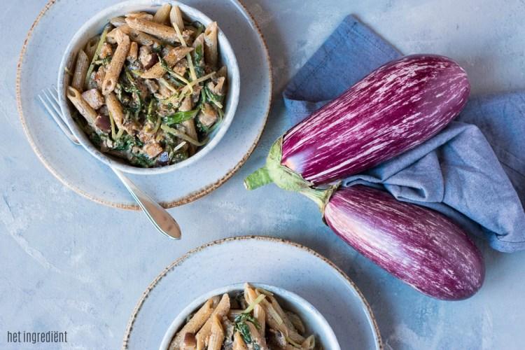 volkoren pasta met aubergine, zalm en raapstelen