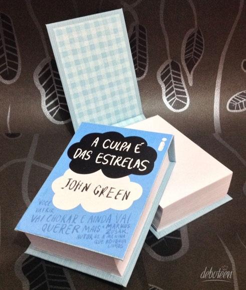 caixa livro A Culpa é das Estrelas