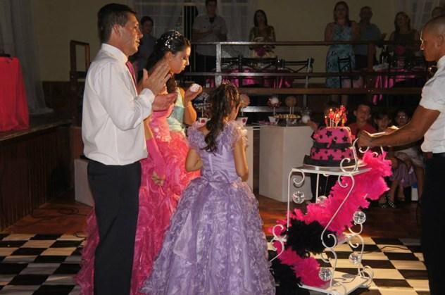 larissa-vieira-rosa-pink-21