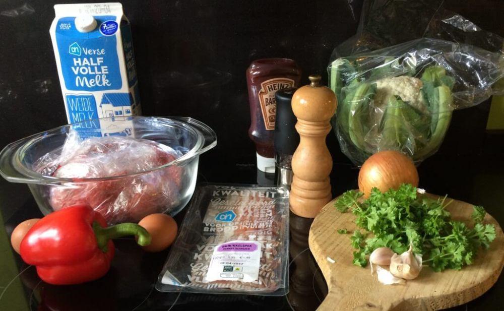 Ingrediënten taart van bloemkool met gehakt