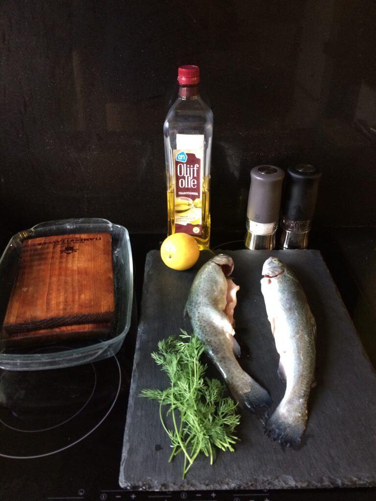 Ingrediënten forel van de plank