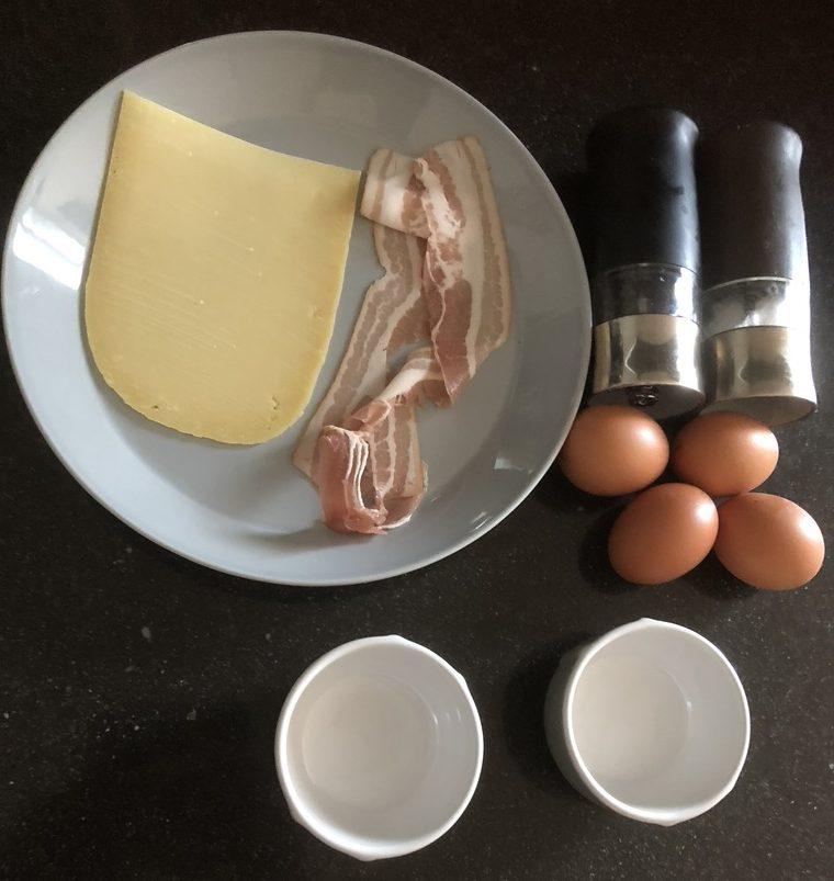 ingrediënten gebakken ei op de bbq