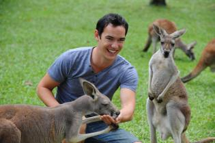 http://www.travelonline.com/victoria/attractions/melourne-zoo.html