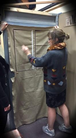 La porte de séparation entre le local et la cour