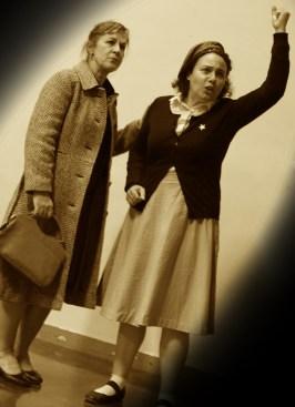 Suzanne et Josyane, jouées par Monique Mazarguil et Claudine Jacquet.