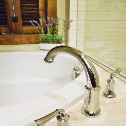 Soaking tub at The Lodge at Columbia Point