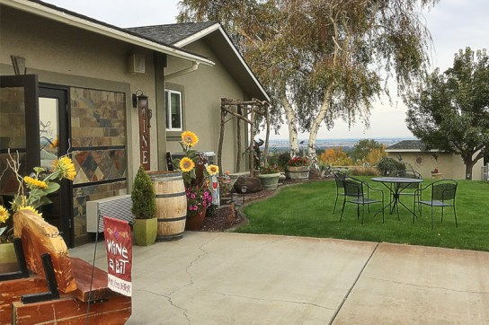 Kitzke Family Vineyards tasting room