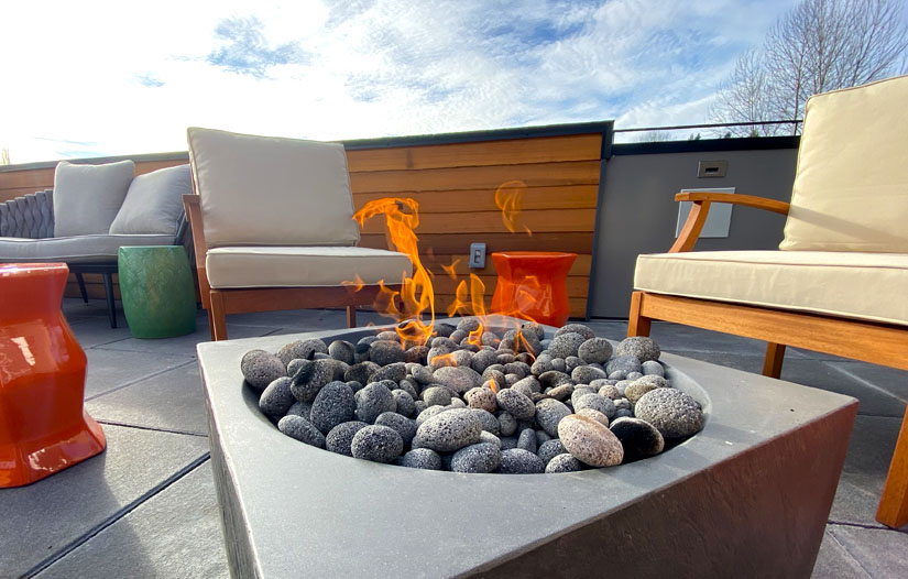 DeLille Cellars outdoor deck with fire pit