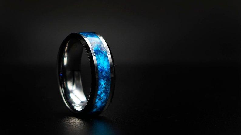 glow in the dark ring