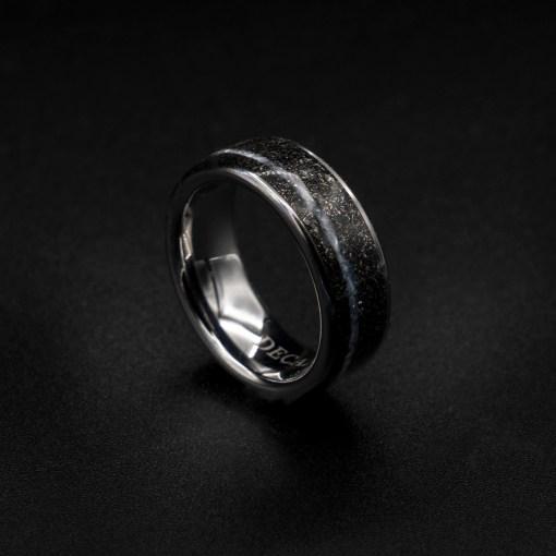 Meteorite ring men