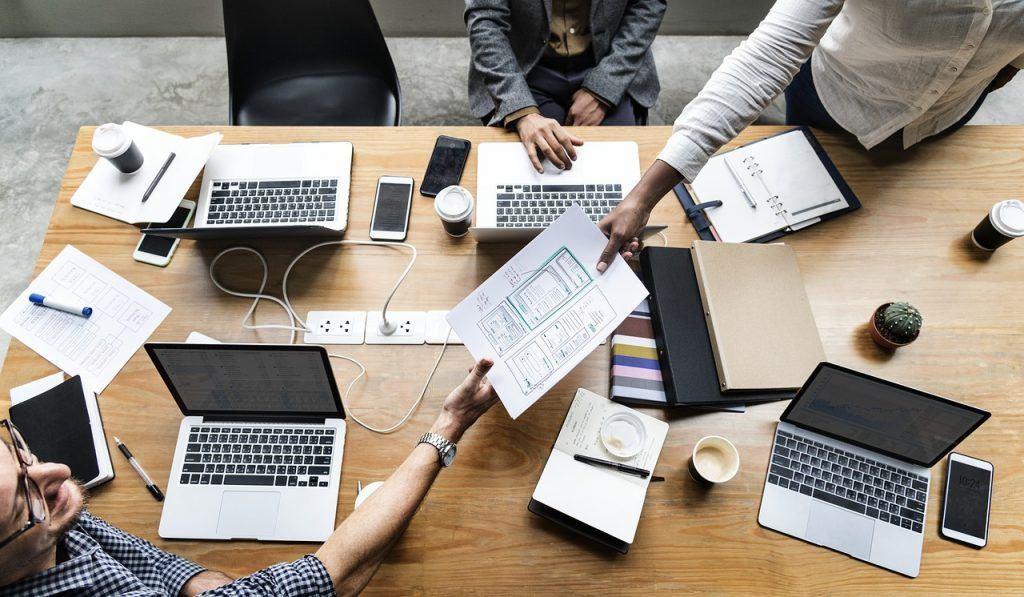 Ser proactivo en una reunión de trabajo