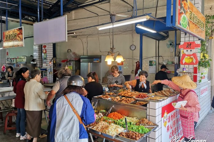 【台南美食】台南自助餐界的老店,鴨母寮市場內的津津好味道自助餐