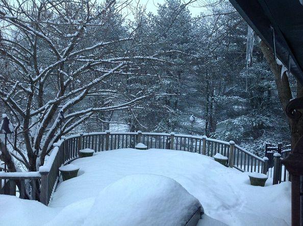 Enjoying Your Deck In Winter Expert Tips From Fiberon