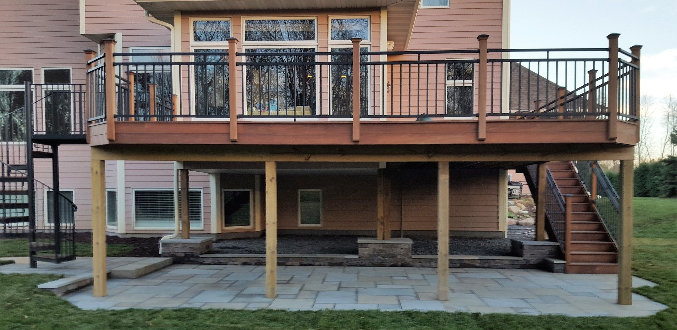Deck With Spiral Stair Case Picture 6449 Decks Com | Outdoor Spiral Staircase For Deck | Farmhouse | Basement | Multi Level | 2Nd Floor | Steel