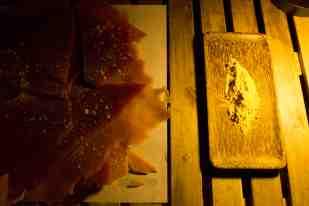 Caramelo y polvo de maca