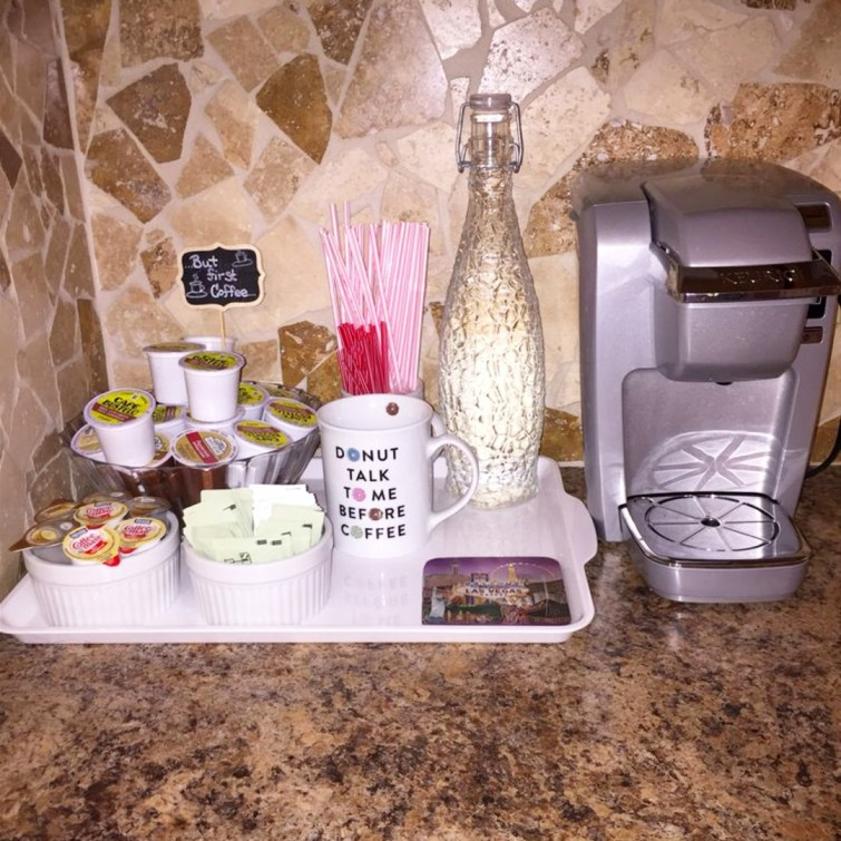 Apartment kitchen decorating ideas - set up a small coffee bar on the kitchen counter