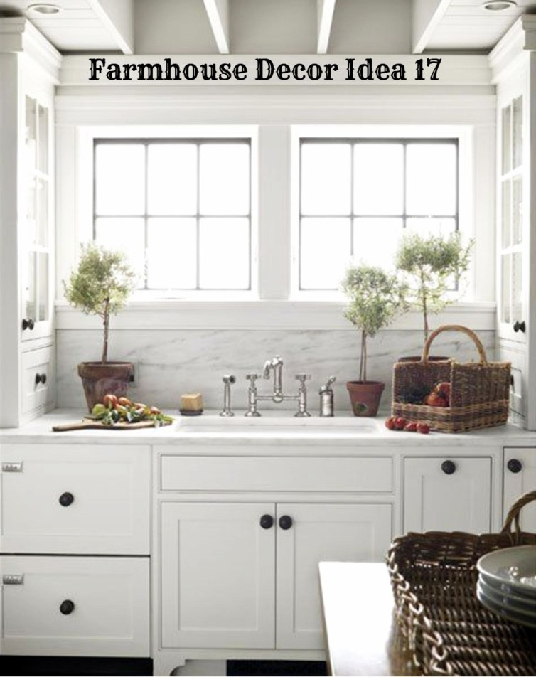 Small cottage farmhouse country kitchen - love how white and bright it is - Clutter-free Farmhouse Decor Ideas