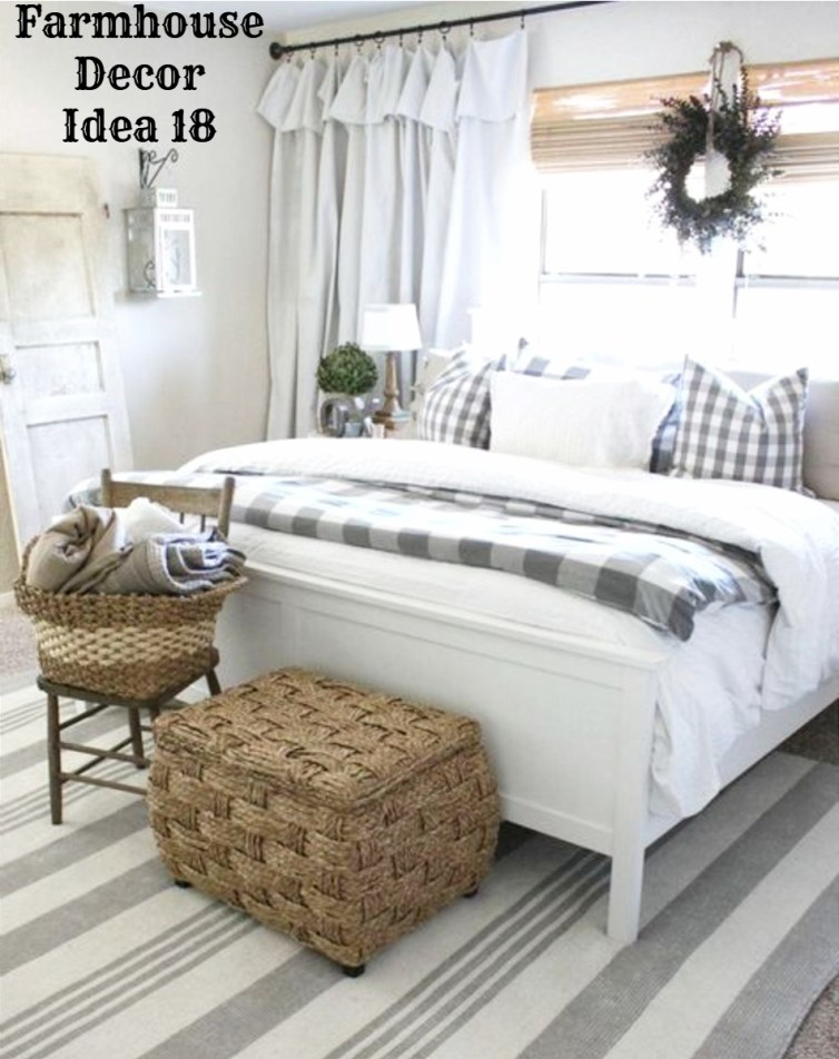Country farmhouse bedroom decorating idea - love it!  See more Clutter-free Farmhouse Decor Ideas