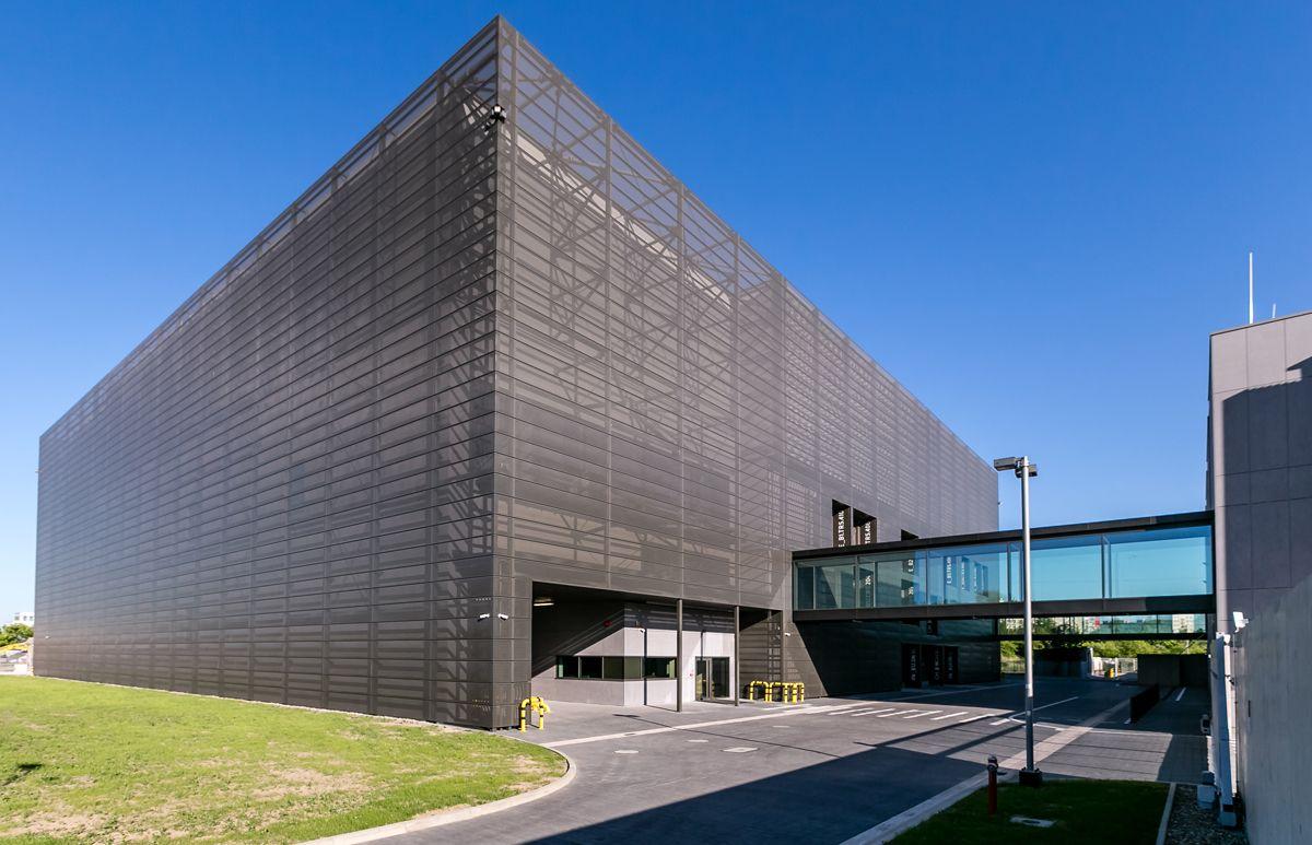 fasada roku 2016 - budynek niemieszkalny