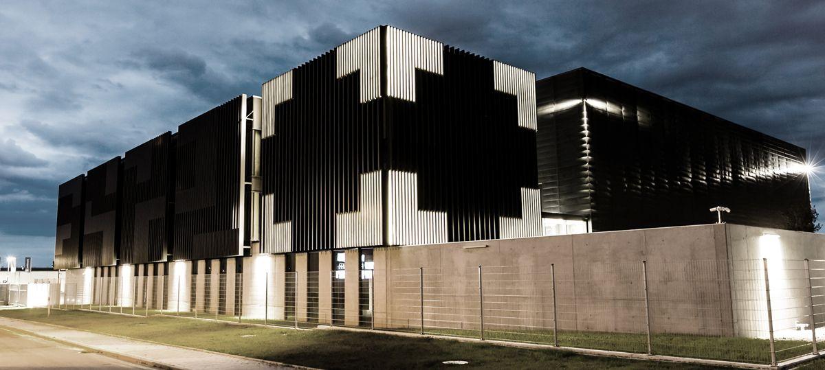 """Centrum Badań Technologii Informatycznych BEYOND.PL w Poznaniu – """"Fasada Roku 2016"""""""