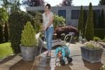 Jak poprawnie zarządzać nawadnianiem ogrodu – obalamy mity na temat podlewania