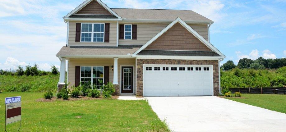 Wybór bramy garażowej - na co warto zwrócić uwagę?