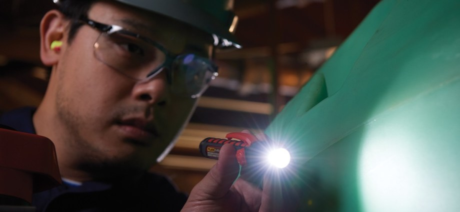 Fluke wprowadza na rynek linię latarek iskrobezpiecznych