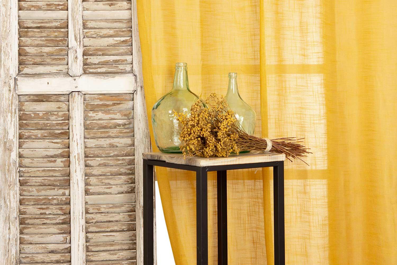 des rideaux jaune moutarde
