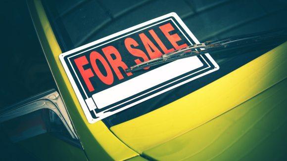 Cartel de «se vende coche»