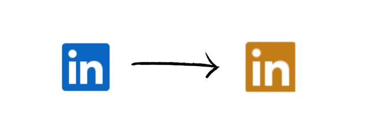 Logo LinkedIn classique en bleu, flèche, logo LinkedIn jaune doré du LinkedIn Premium.
