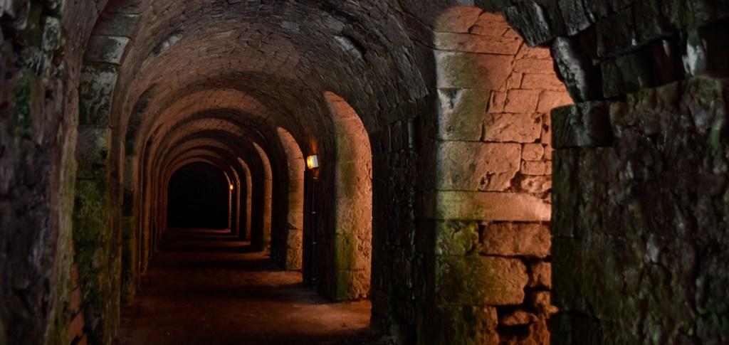 Caves de l'abbaye de Fontaine-Guérard.