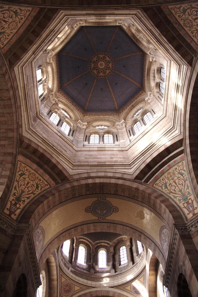 Les coupoles de Sainte-Marie Majeure de Marseille