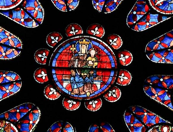 Rosace de la cathédrale de Chartres avec la Vierge