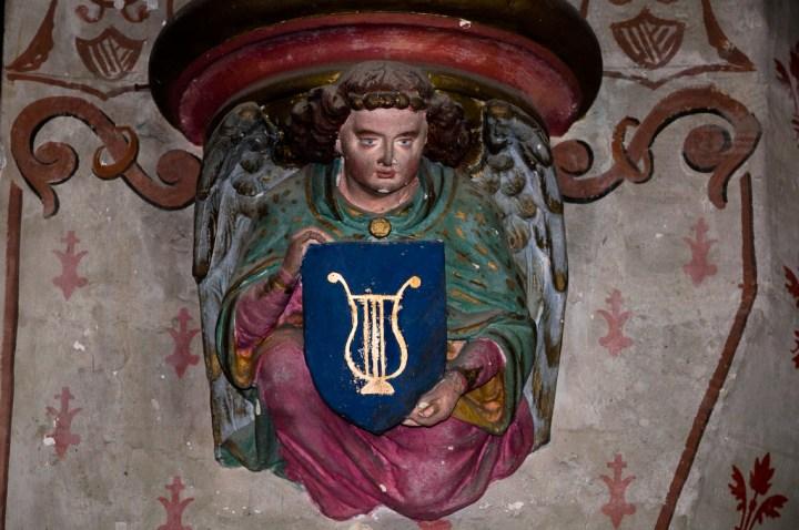 Culot de l'église de Baons-le-Comte