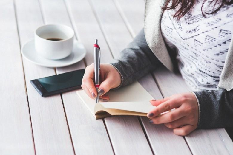 Ecrivez tout pour faire baisser votre charge mentale