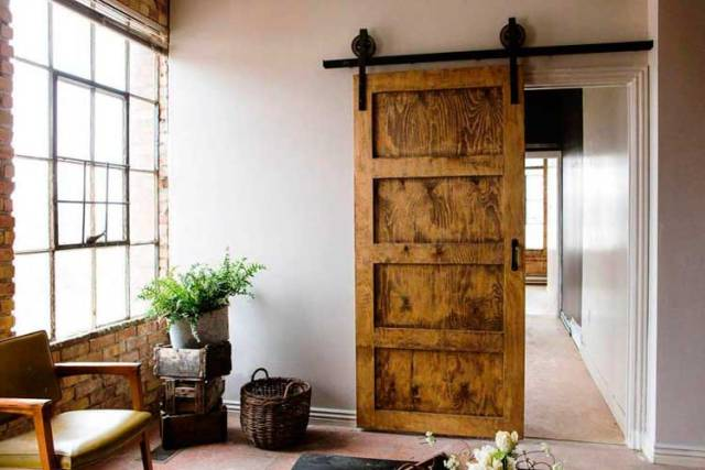 Ahşap Ahır Kapıları
