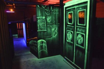 laser game peinure fluo lumiere noire
