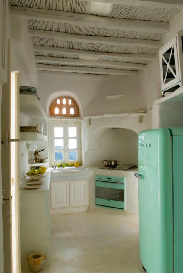 Blanco y mint en la cocina