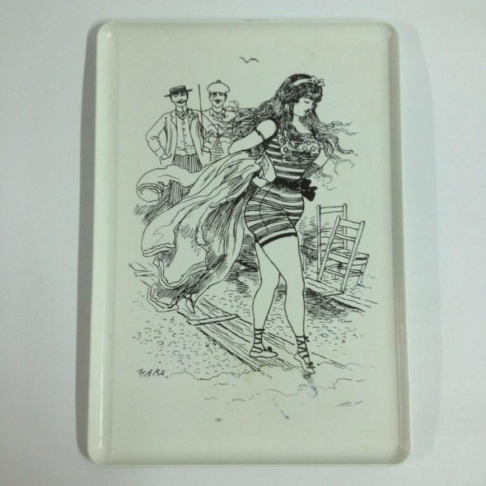 plateau-en-plastique-illustration-annees-1950
