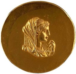 Gold Medallion of Olympias Walters Art Museum, Baltimore ... The photo is taken from ... http://www.historyofmacedonia.org/AncientMacedonia/AlexandertheGreat.html