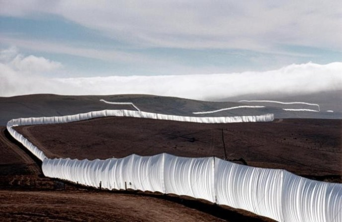 christo-running-fence-1