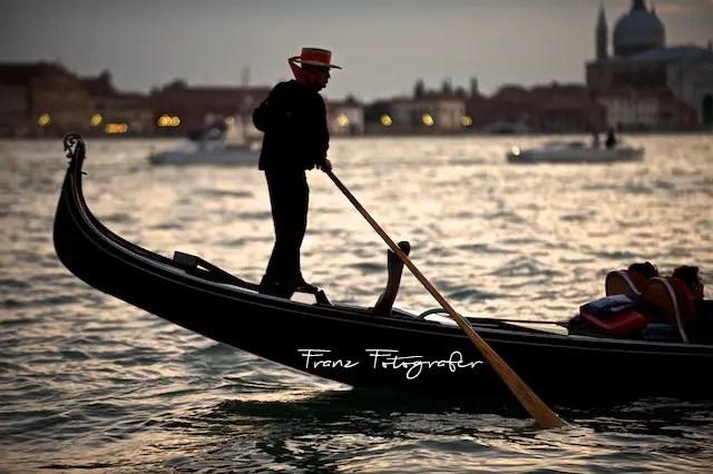 A legszebb napod ésaTe fotós csapatod, – Team Franz Fotografer Studio –
