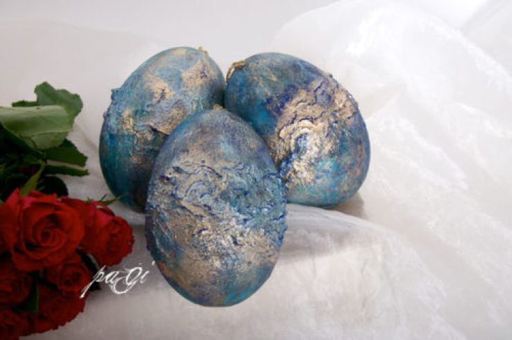 Arany fronttage tojás, pigment porral meghintve
