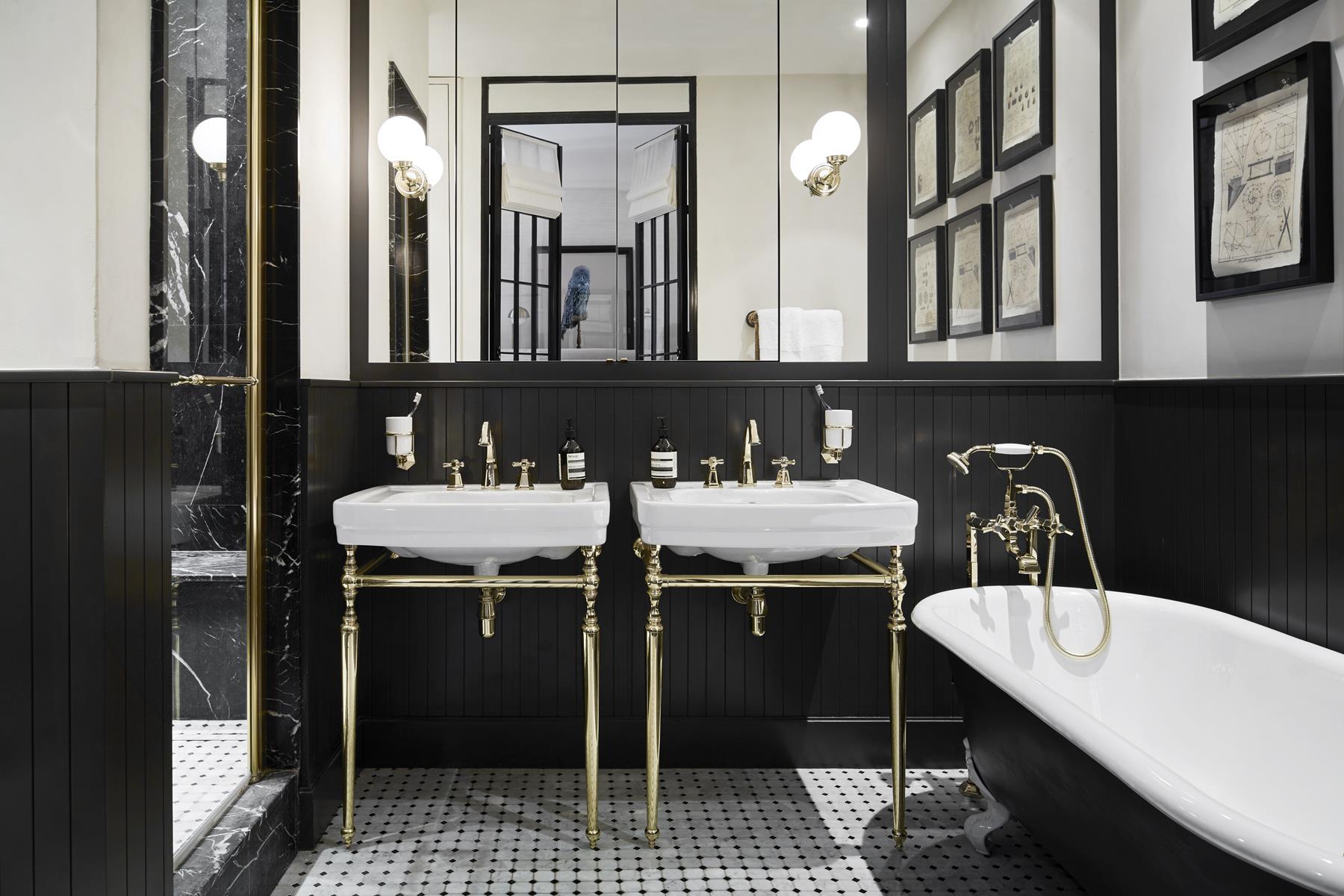 ванная комната раковина зеркало